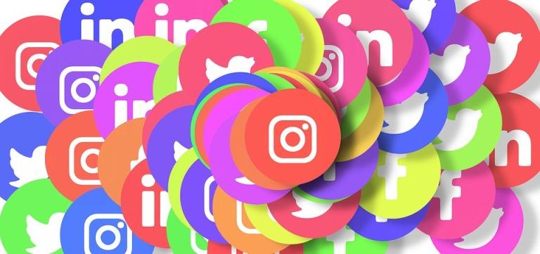social-media-3129487_960_720